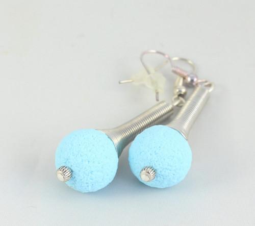 Dlouhé náušničky - pastelově modré