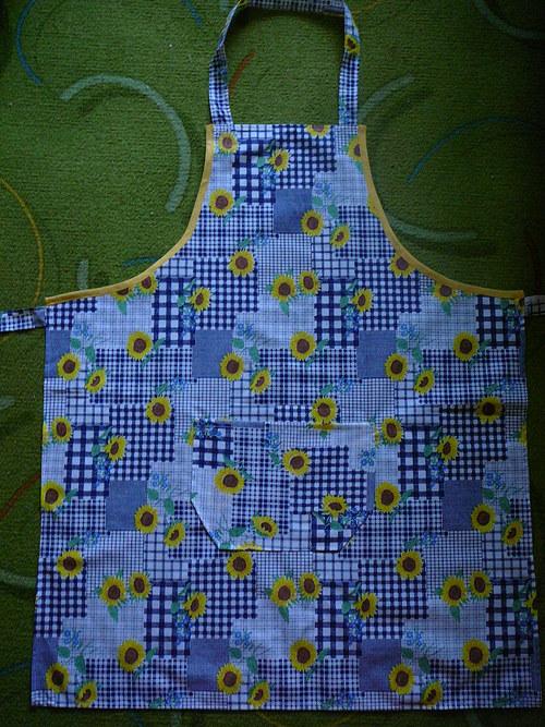 Kuchyňská zástěra - modrá slunečnice