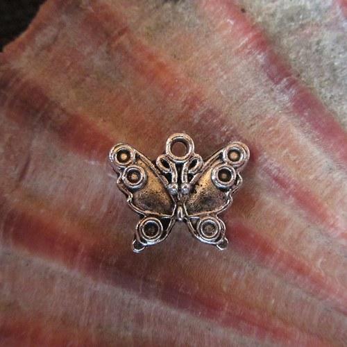 Motýl - kovový přívěsek