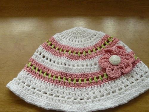 Návod na háčkovaný klobouček