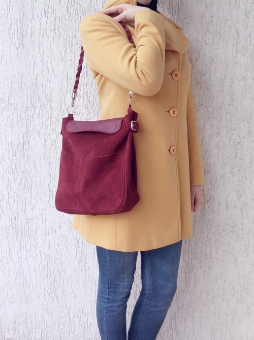 Semišová vínová kožená kabelka na rameno