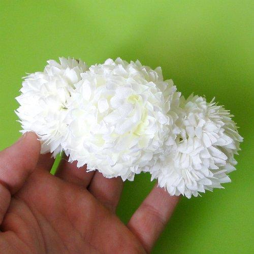 Květinová spona - bílé bambulky - SLEVA!!!