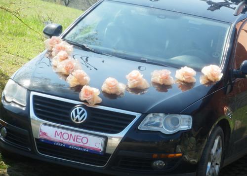 Svatební dekorace,výzdoba na auto RŮŽE S PŘÍSAVKO