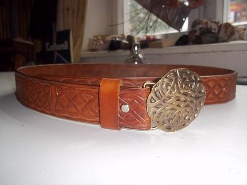Kožený opasek - keltský vzor