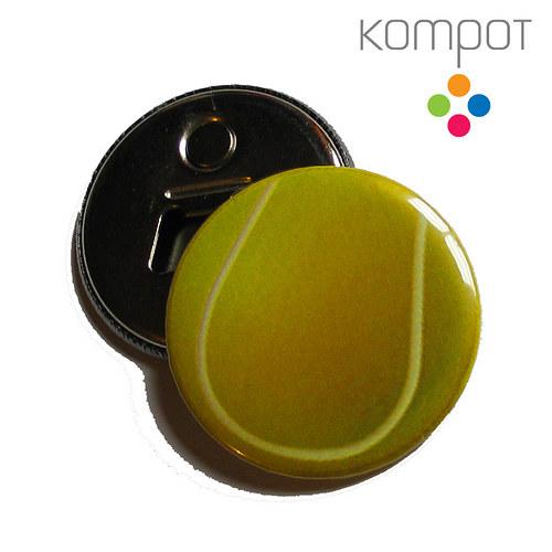 Otvírak s tenisovým míčem