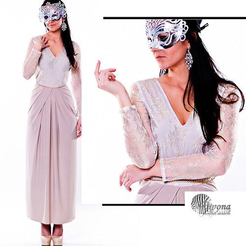 Plesové šaty  z krajkou Dyona