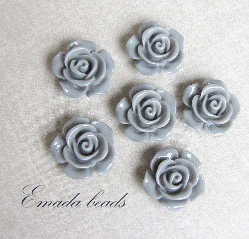Resin květiny, kabošon šedá, 1,45 cm