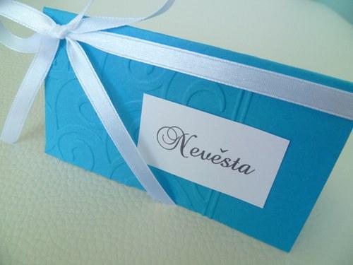 tyrkysové jmenovky s ornamentem na svatební stůl