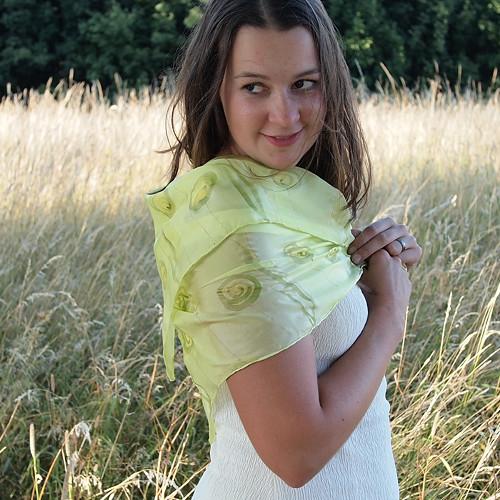 Hedvábný šátek - Pampelišková louka, 74x74