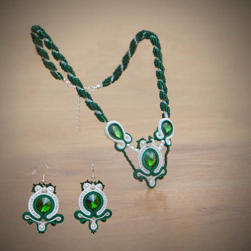 náušnice - zelenobílé