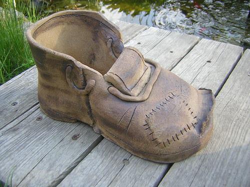 Velká díra,velká bota