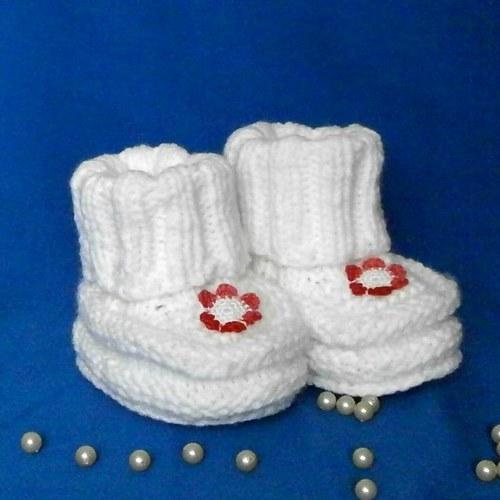 Pletené botičky větší s červenou kytičkou