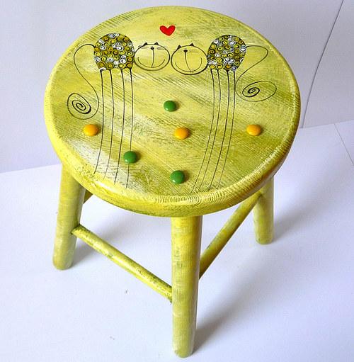 dřevěná stolička velká - zelená s tulínky