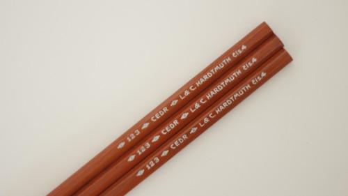 Sada dřevěných tužek, tužka Hardmuth
