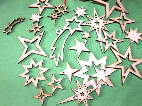 Vánoční dřevěné ozdoby HVĚZDY -6 druhů/SET- M
