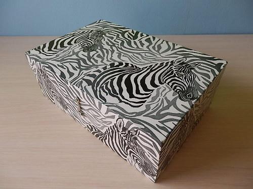 Šperkovnice 8 přihrádek Zebra