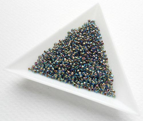 TOHO 11/0 Gold-Lined Rainbow Lt. Sapphire 10 g