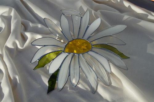Závěsná vitráž Kopretina