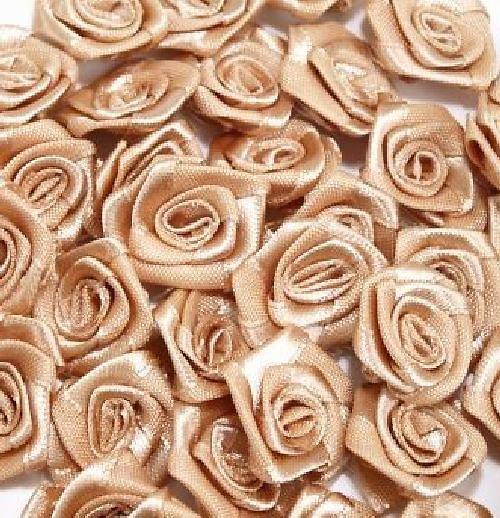 Saténová růžička 10 ks: Sv. hnědá