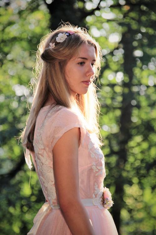 Starorůžové šaty pro vílu...