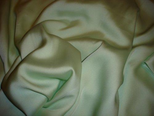 zelenkavý pevný satén cena za10cm šíře 145cm