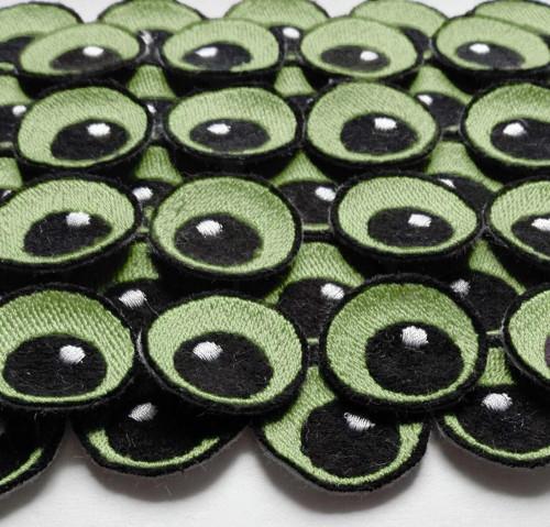 Světle zelené 2cm očka SKatie Des