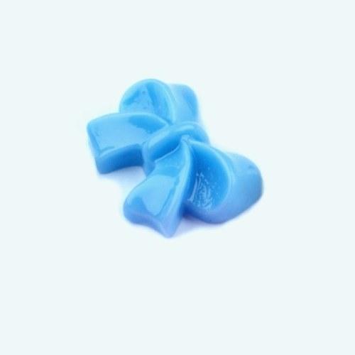 Plastová mašlička modrá - kabošon - 2 ks