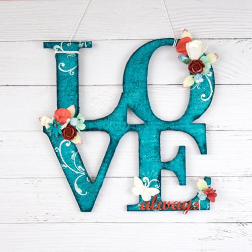 Nápis LOVE always na stěnu tyrkysovo-červeno-bílý