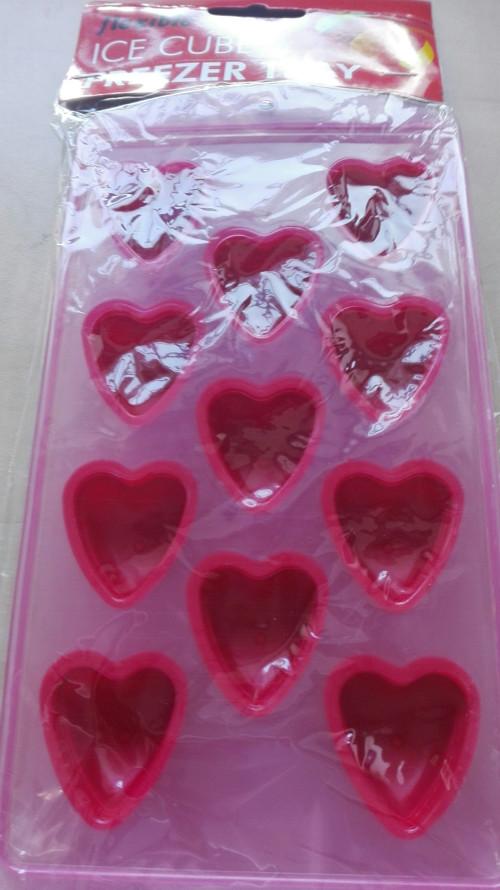 Forma plastová srdcea/ červená/ 1kus
