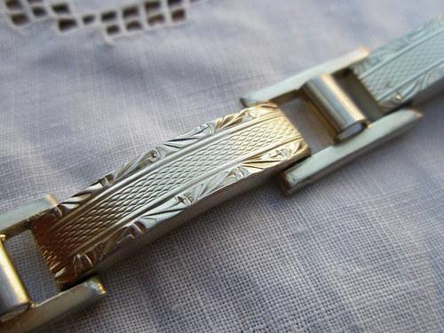 Stříbrný  náramek s gravírováním
