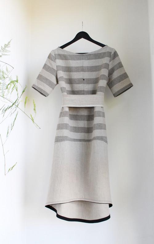 Šaty lněné s proužky - midi (M)