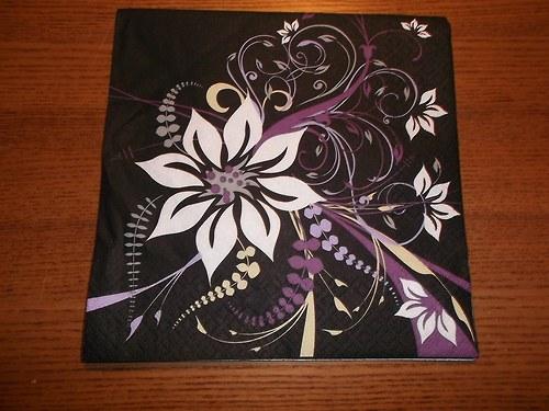 Ubrousek na decoupage - květinové vzory fialové