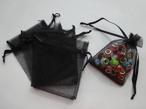 Černý organzový pytlíček (7x9)