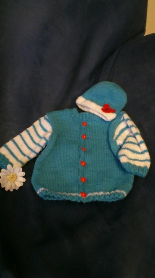 pletený svetřík a čepička na miminko