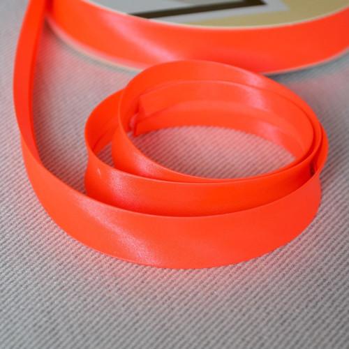 Šikmý proužek zažehlený fluorescentní oranžový