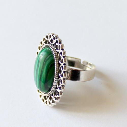 Vintage prsten s malachitem
