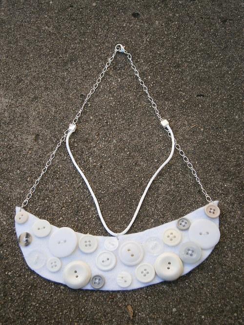 Knoflíkový náhrdelník