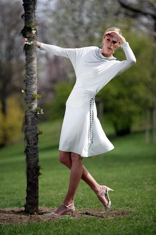 úpletové  křivé šaty Jin- uni