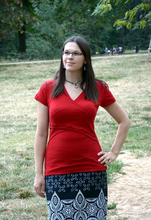 Kojicí tričko z merina červené krátký rukáv