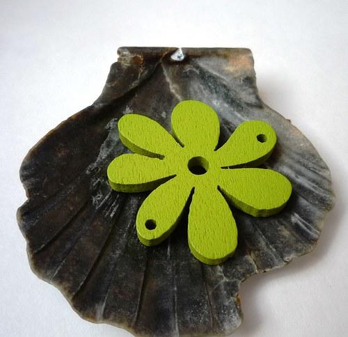dřevěné kytičky menší 2 ks-  zelené