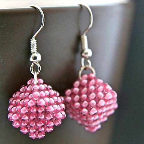 Růžové kostky