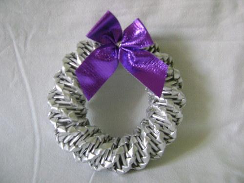 Věneček stříbrný s fialovou mašlí