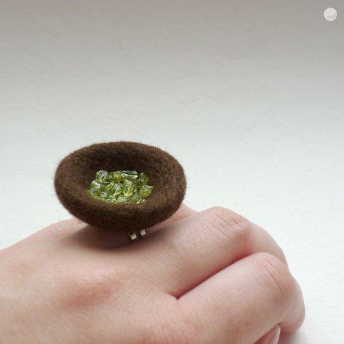 Prsten s olivíny