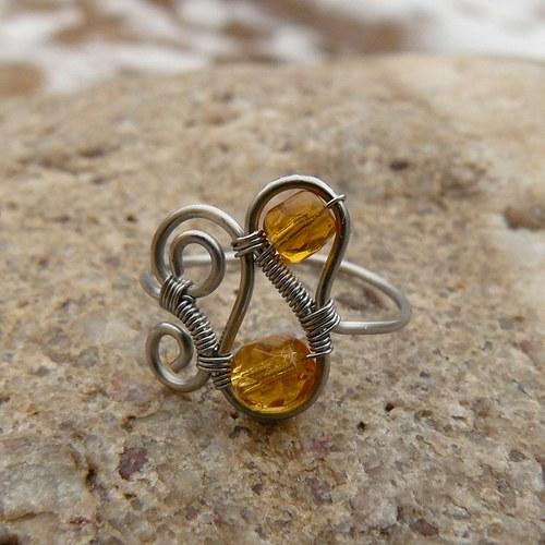 Medový prstýnek