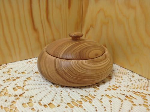 dřevěná dóza - slánka s pokličkou jasan