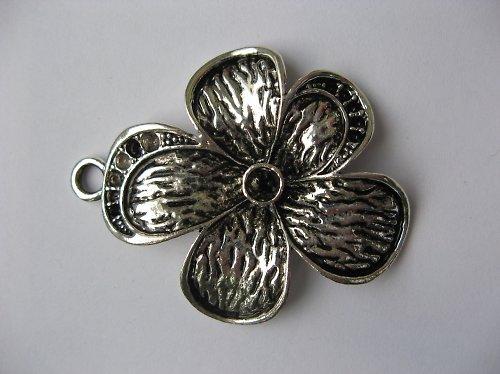 Přívěsek květina - starostříbro