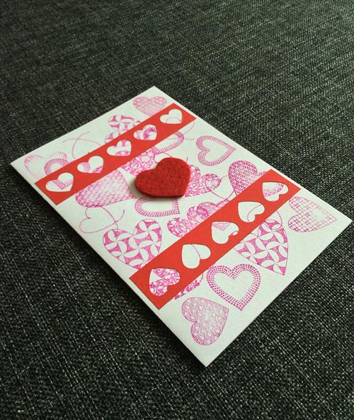 Láska, přes razítka páska