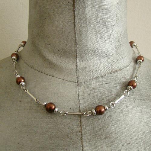 náhrdelník ketlovaný s hnědými perličkami