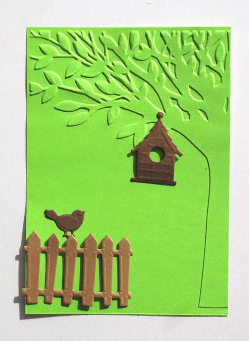 Strom, plot, budka a ptáček - barva podle přání