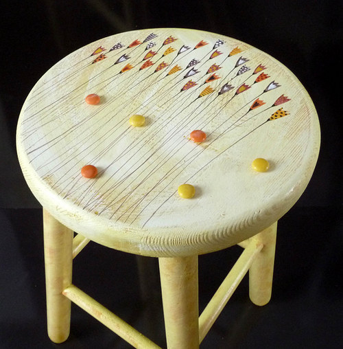 dřevěná stolička velká - žlutá s tulipány